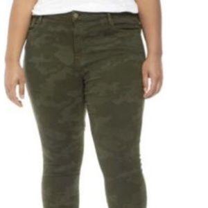 Sanctuary Skinny Ankle Camo Jeans NWT